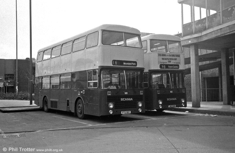 98 (PTG 98Y) and 82 (JBO 82W), another pair of Newport's Scania BR112DH/Marshall H45/31F.