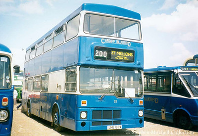 Cardiff Bluebird 53 (JHE163W), an MCW Metrobus, ex South Yorkshire PTE 1863.