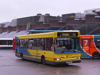 On May 27th Arriva Plaxton bodied Dennis Dart 3591 (T591CGT) was still wearing Surrey Links livery, as seen here in Guildford Bus Station.