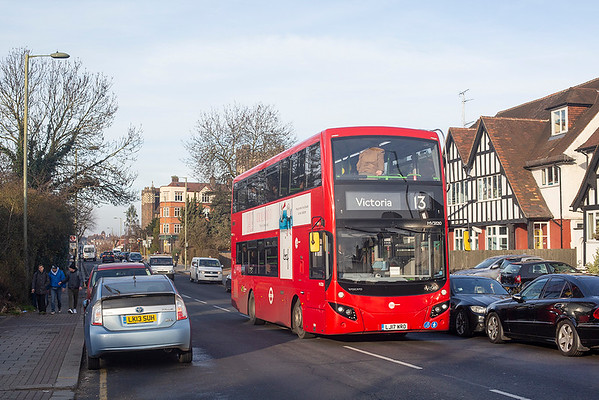 MV38210 LJ17WRO, Golders Green 11/1/2019