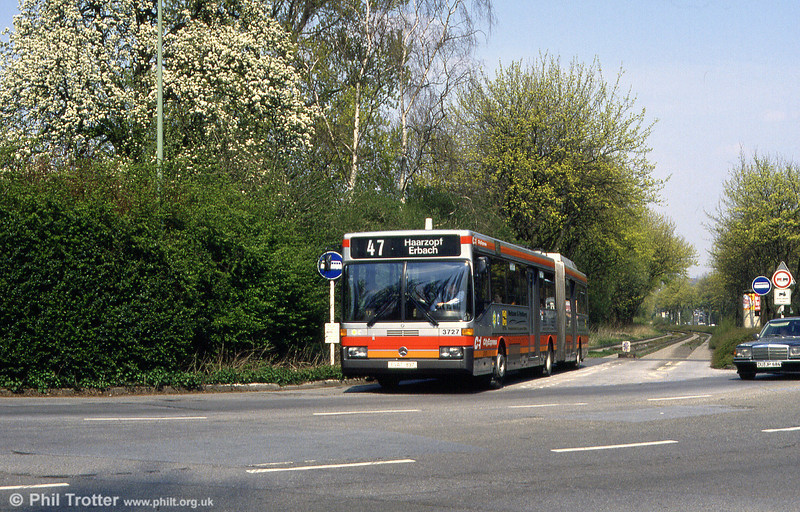 EVAG 3727 emerges from the guided section at Humboldt Strasse on 19th April 1994.