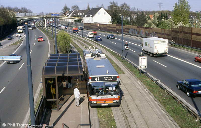 Essen, 19th April 1994 showing 3721 on the guided section at Feldhaushof, running as a diesel.