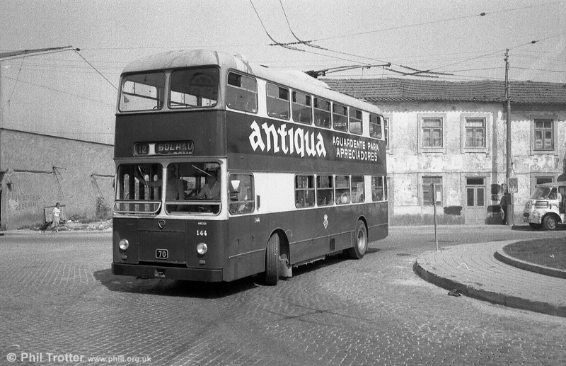 Double decker 144 on the turning circle at Gondomar terminus in the summer of '82. Originally two-manned, the buses were converted to one man operation in 1990. Each had two staircases.