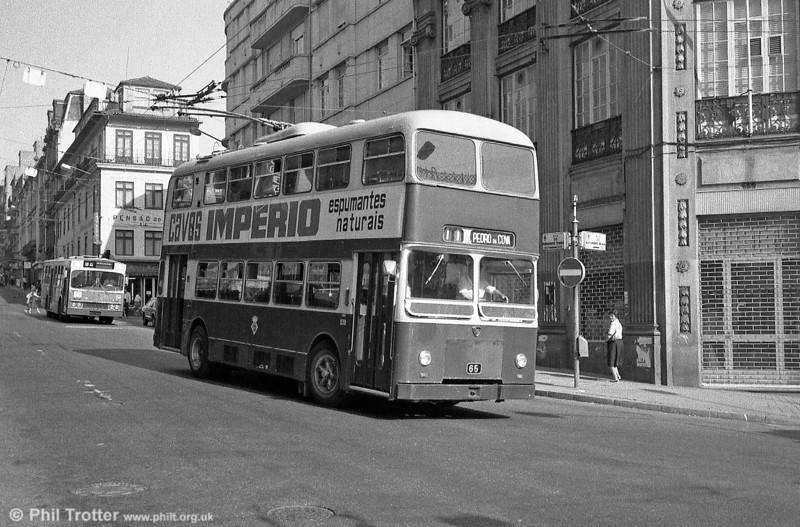 139 in Oporto City Centre in July 1983.
