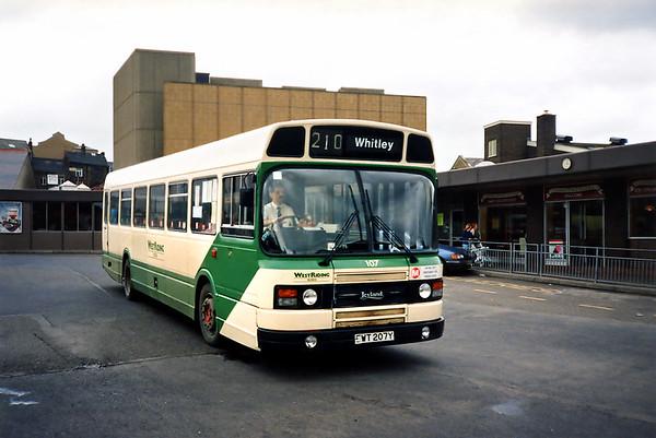 107 EWT207Y, Dewsbury 25/6/1991