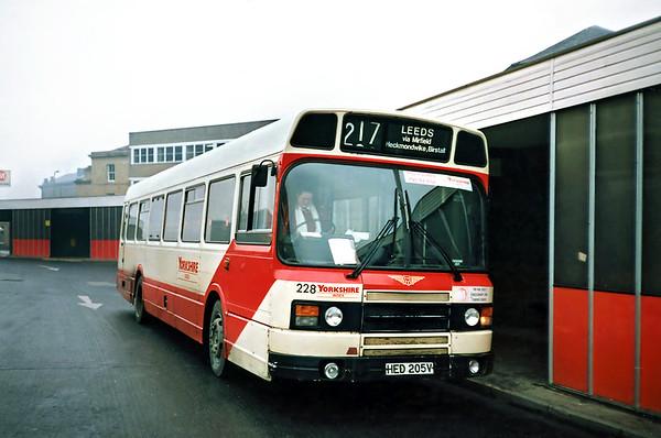228 HED205V, Huddersfield 15/1/1991