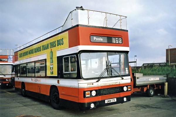 3909 UWW17X, Poole 6/7/1991