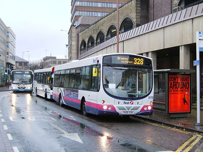 First Volvo B7RLE/Wright Eclipse 66787 (YK05FOV) on Market Street, 24th November 2006