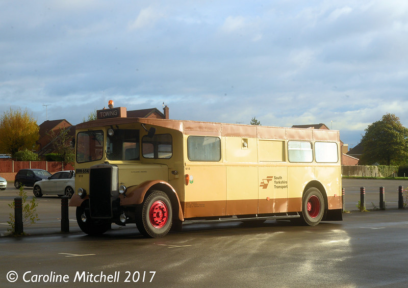 South Yorkshire Transport M18 (BWW654B), Pudsey Civic Hall, 14th October 2017