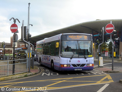 First 61036 (V135ESC), Pudsey Bus Station, 14th October 2017