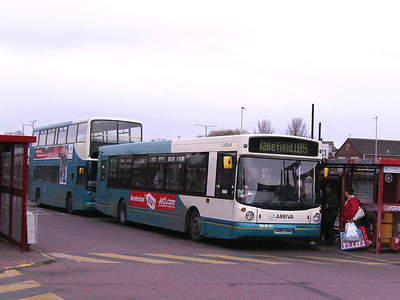 The light deteriorated whilst I was in Castleford, so I retreated to the Bus Station. Rather unimaginative, but at least I got some shots. Arriva 489 (S489ANW) is an Alexander bodied DAF SB220