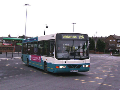 Next stop was Ossett. Seen leaving the Bus Station is Arriva Yorkshire 496 (YJ04HJD), a VDL SB200 with Wright bodywork