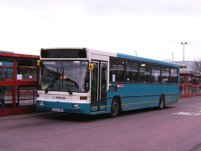 Another Alexander bodied Volvo B10B in the Arriva Yorkshire fleet is 420 (M420UNW), with non-functioning destination screen