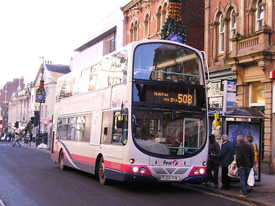 First Wright bodied Volvo B7TL 32538 (YJ05VUW), The Headrow, Leeds, 16th December 2006