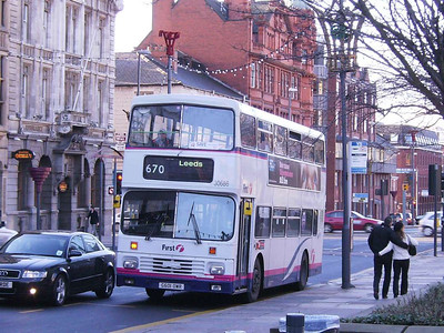 First Alexander bodied Leyland Olympian 30686 (G601OWR) of 1990, The Headrow, Leeds, 16th December 2006