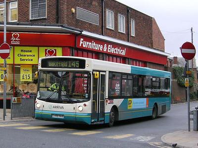 Arriva Yorkshire 488 (S488GUB) is an Alexander bodied DAF SB220 seen leaving Pontefract Bus Station on 30th November 2006