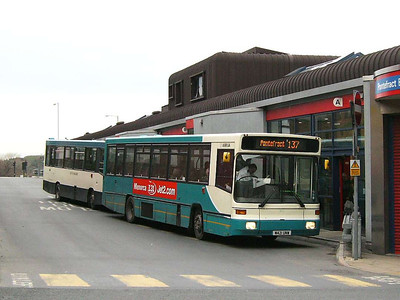 Arriva Yorkshire 421 (M421UNW) is an Alexander bodied Volvo B10B at Pontefract Bus Station