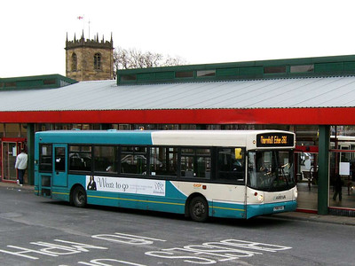 30th November was a trip to Castleford and Pontefract. A few minutes at Dewsbury meant a few pictures. Arriva Yorkshire 188 (P188VUA) is an Alexander bodied Dennis Dart SLF