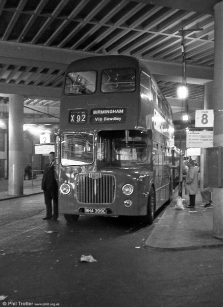 D9 5399 (BHA 399C) is seen at Birmingham Bull Ring Bus station. Bodywork was to H40/32RD configuration.
