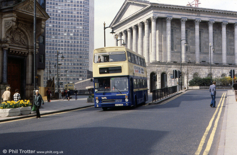 Metrobus 2713 (A713 UOE) heads into New Street.