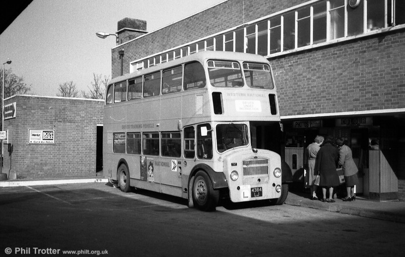Western National DV7 (4384 LJ), was new to Hants & Dorset in 1962 and carried their fleet no. 1461. It was a Bristol FS6G/ECW H33/27RD.