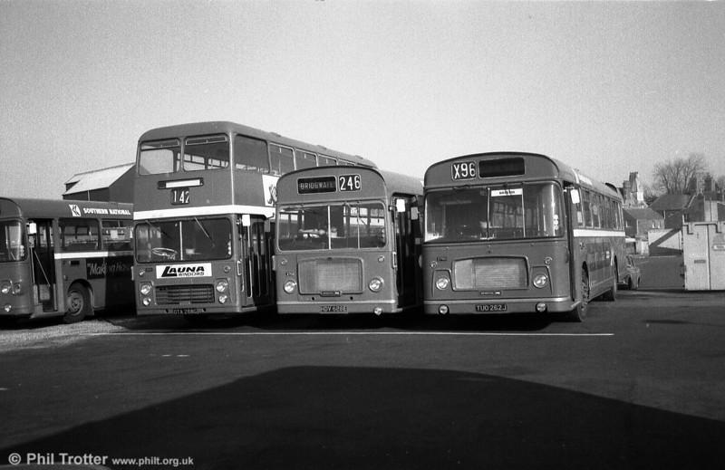 Bristol VRT/ECW H39/31F 1054 (OTA 288G) alongside RELL6Gs 2702 (HDV 628E) and 2750 (TUO 262J).