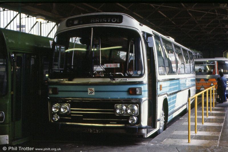 2189 (ROU 347S), a Leyland Leopard/Plaxton C49F, showing the Bristol version of NBC local coach livery.