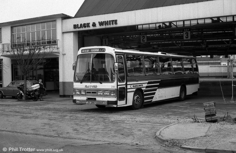 The Black & White name and an updated version of the livery was briefly revived in the 1980s, when National Travel (South West) 286 (JDG 286V) was repainted as shown. It is a Leyland Leopard/Duple C50F.