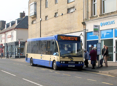 RH Buses 404 (MX06BPY), Witney, 28th March 2011