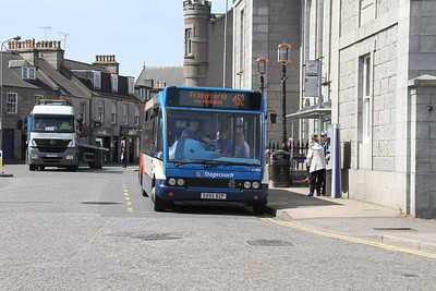 47213 at Inverurie Town Hall with a 452 for Fraserburgh