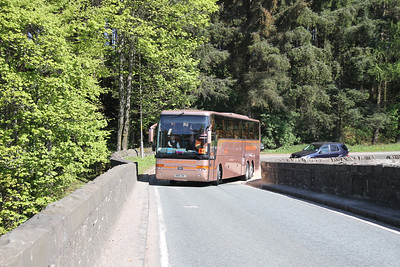 SN05DWC is a Volvo B121B with Van Hool bodywork about to cross Bridge of Teith on A84(T) at Doune
