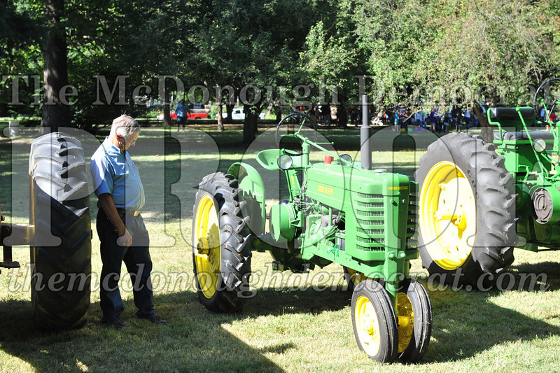 BT&CFF Antique Tractor & Small Engine 08-28-10 013