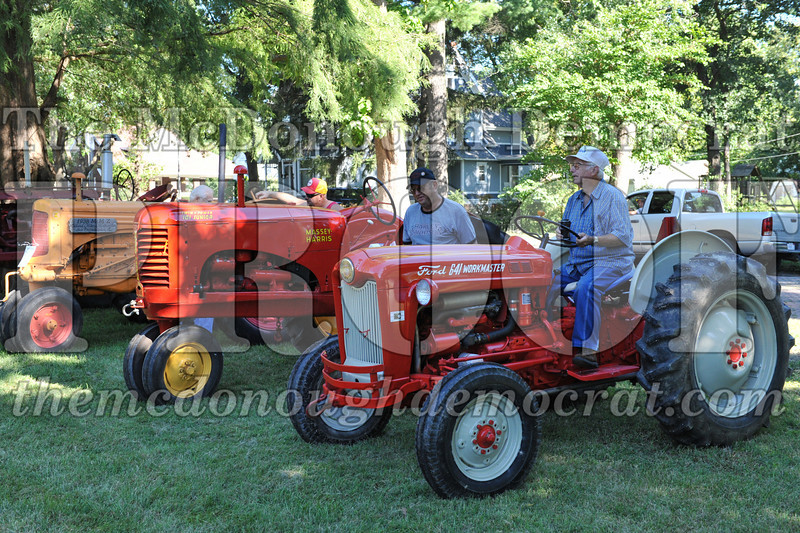 BT&CFF Antique Tractor & Small Engine 08-28-10 007
