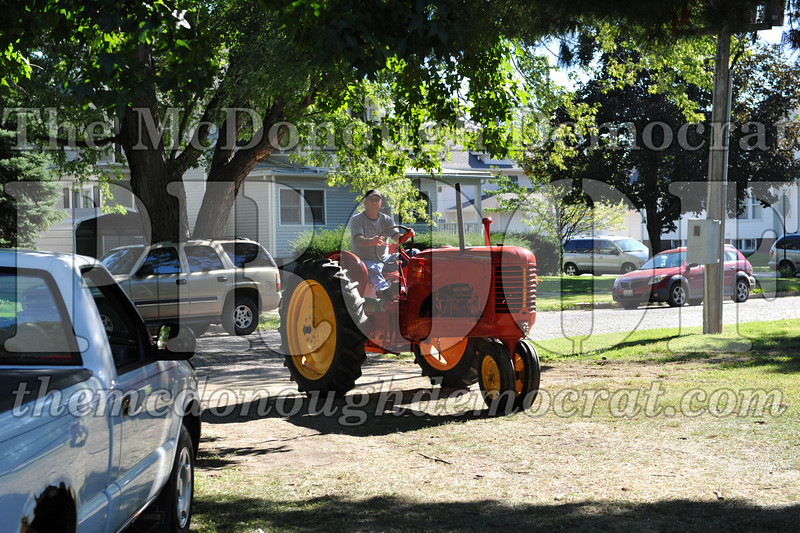BT&CFF Antique Tractor & Small Engine 08-28-10 003