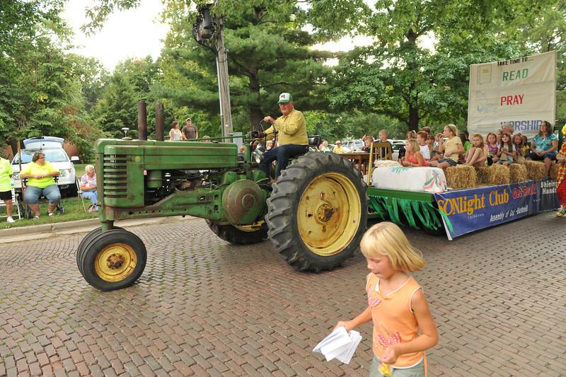 Fall Festival Parade 08-23-12 036