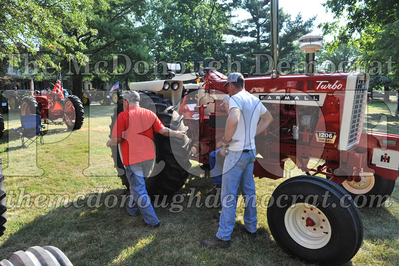 Tractor Show 08-24-13 004