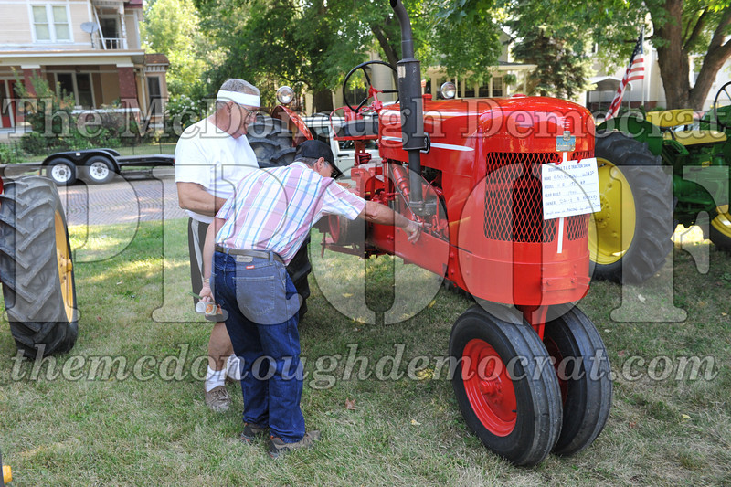 Tractor Show 08-24-13 017