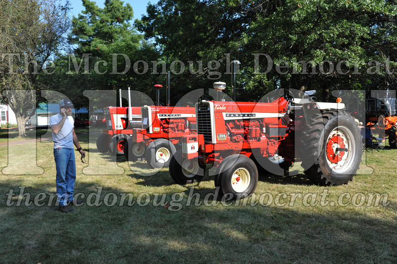 Tractor Show 08-24-13 005