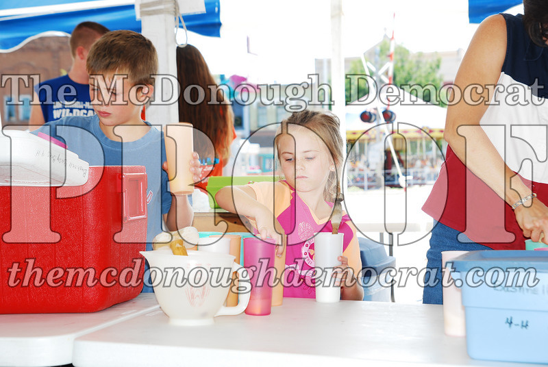 4H Lemonade Stand 08-25-07 012