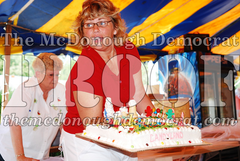 Pie & Cake Sale 08-25-07 011
