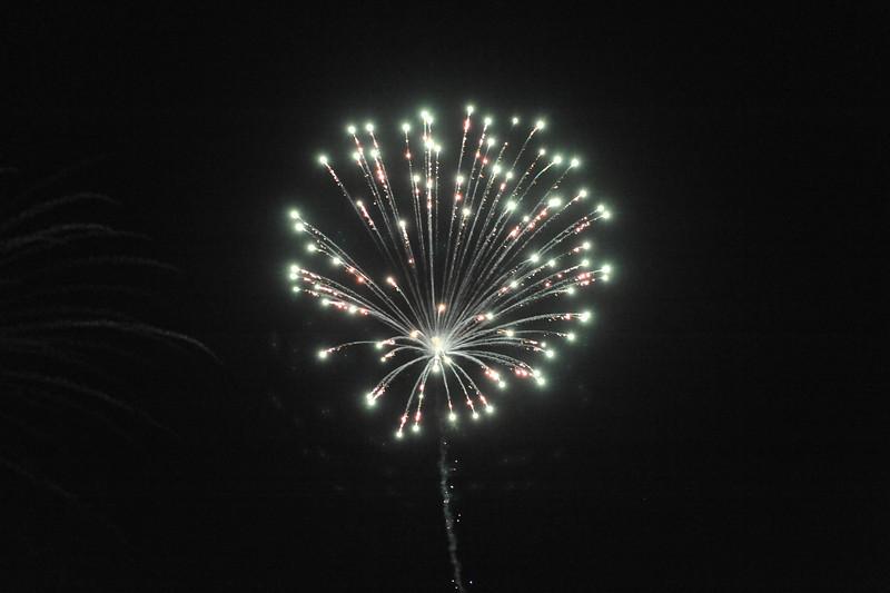 2011 Bushnell Fireworks 07-03-11 027