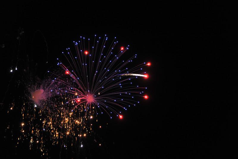 2011 Bushnell Fireworks 07-03-11 073