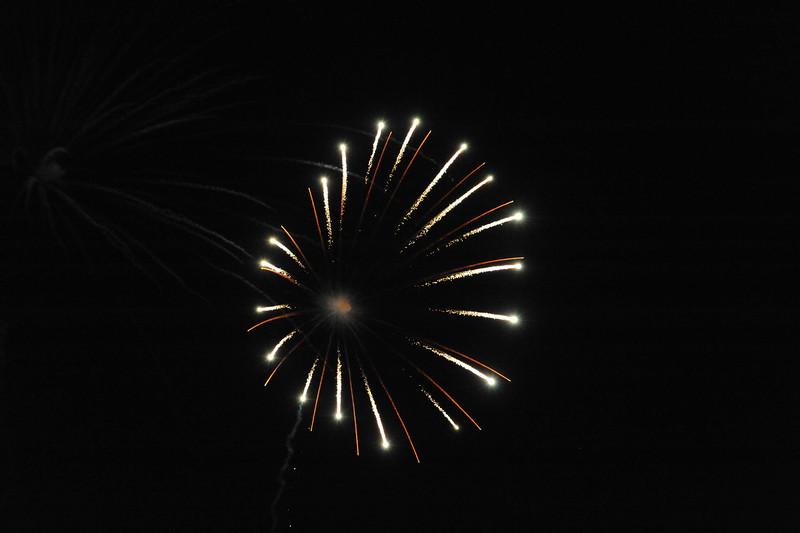 2011 Bushnell Fireworks 07-03-11 021