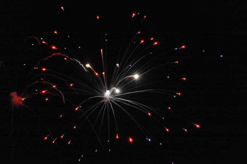 2011 Bushnell Fireworks 07-03-11 030