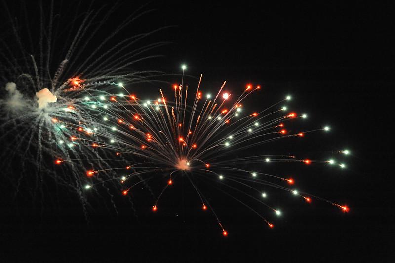 2011 Bushnell Fireworks 07-03-11 045
