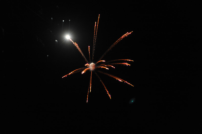 2011 Bushnell Fireworks 07-03-11 052