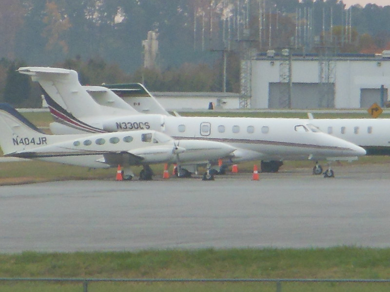 Embraer EMB-505 Phenom 300 (cn 50500180) N330QS