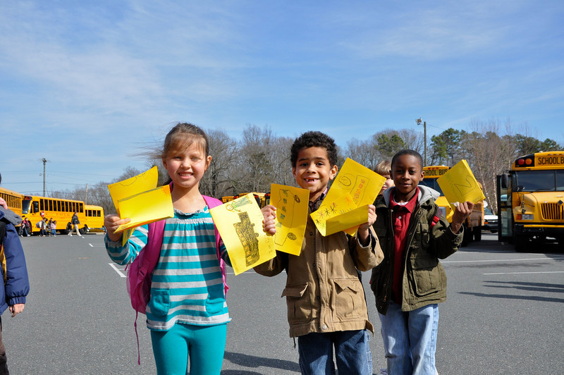 Veronica Nagorny,6, Bryson Heath,6 Anthony Herron, 6 so excited to give their home made cards!