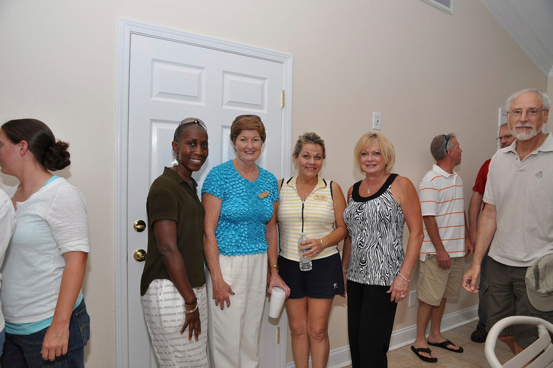 Stallings Resident Sarah Jerrell, Mayor Paxton, Council Renee Hartis,NNO Committee Catherine Goodrich
