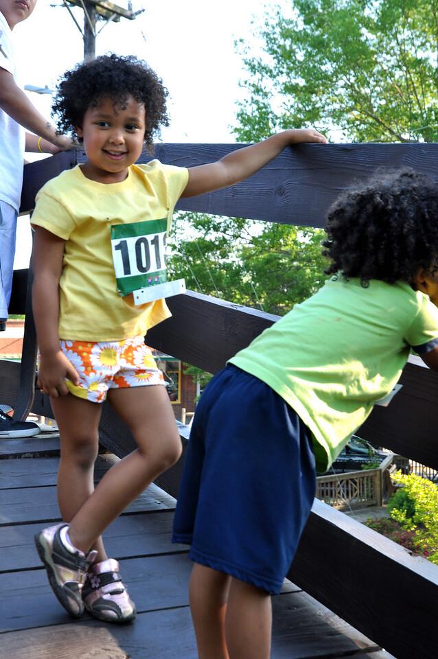 Amanda Thompson,5, of Waxhaw with Jory Thompson, 4, getting ready for the Kids Fun Run